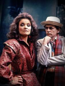 Kate O'Mara und Sylvester McCoy als die Rani und der Doctor, Foto: Pandavision/BBC Germany