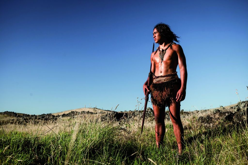 Der einsame junge Krieger Hongi (Foto: Ascot Elite)
