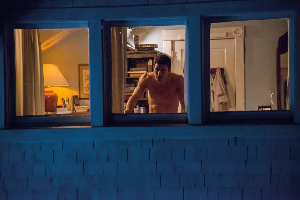 """Geschickt eingesetzter Waschbrettbauch zur Verführung von Lehrerinnen (Ryan Guzman in """"The Boy Next Door"""", Foto: Universal Pictures)"""