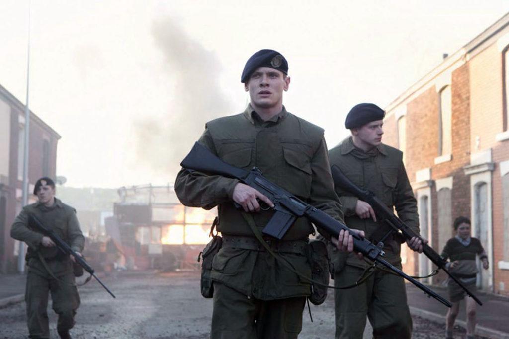 """Noch ahnt Gary nicht, was ihn in der Nacht alles ereilen wird (Jack O'Connell in """"'71"""", Foto: Ascot Elite Home Entertainment)"""