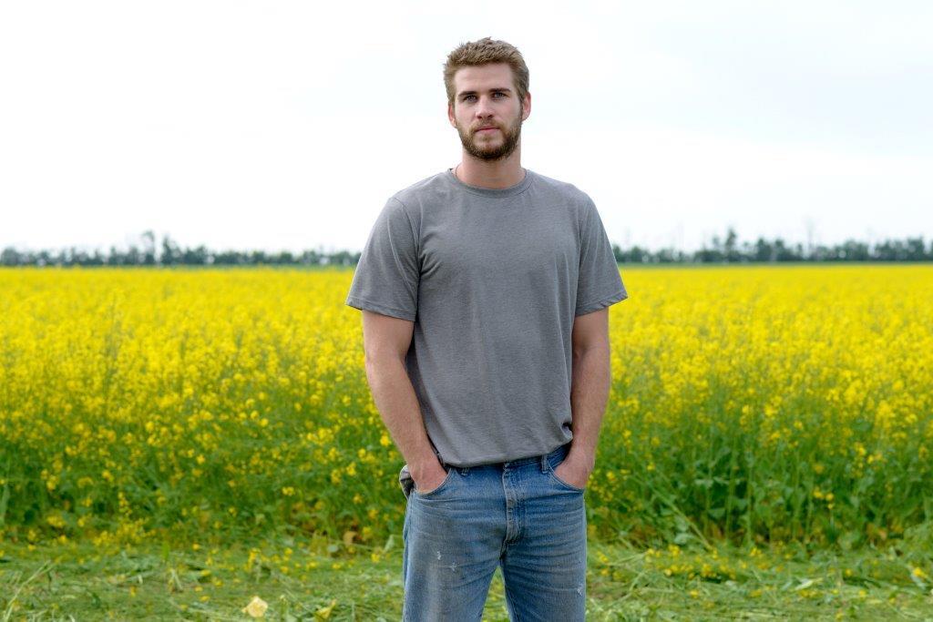 """Ein Australier als All-American-Boy, der mit seinem Video vielleicht das große Los gezogen hat, endlich aus dem Kaff zu entkommen (Liam Hemsworth in """"Cut Bank"""", Foto: Koch Media))"""