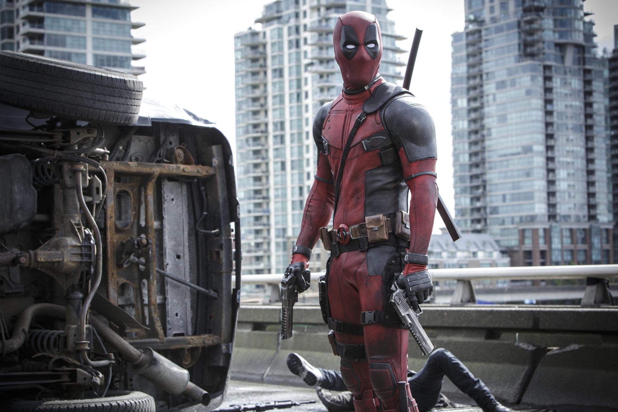 Es gibt keinen Grund, warum vor Deadpools Augen weißer Stoff ist. Außer vielleicht faule Comiczeichner, okay. (Foto: 20th Century Fox)