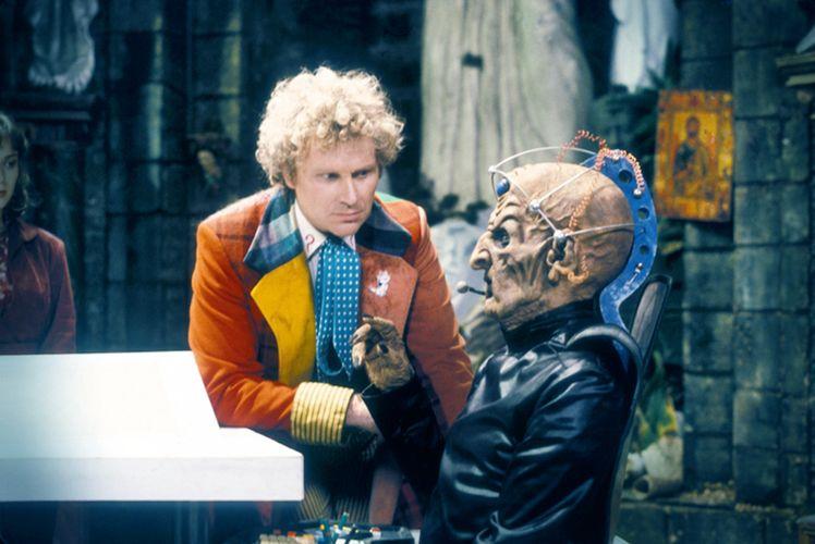 Alte Feinde haben viel zu besprechen: Der Doktor und Davros (Foto: BBC Germany/Pandastorm Pictures)