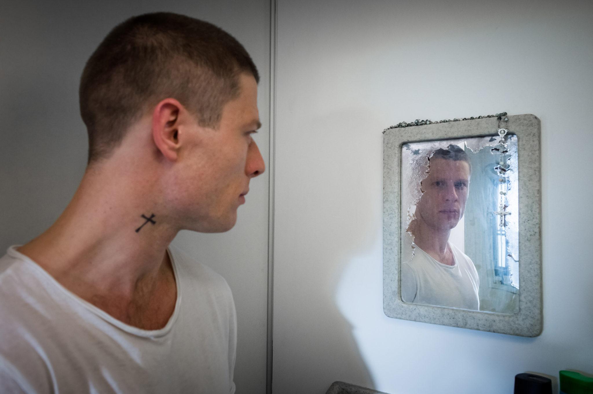 Tommy Lee Royce (James Norton) kann auch vom Gefängnis aus seine Rache voranbringen. (Foto: Polyband/BBC)